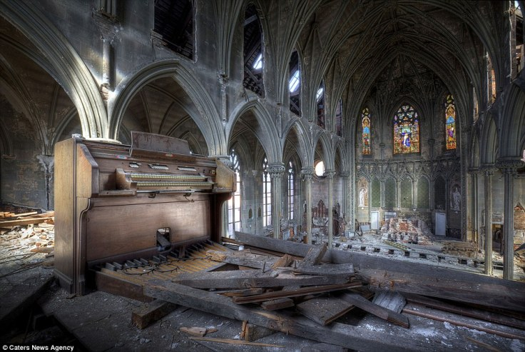 abandoned-church-2